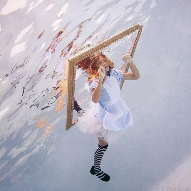 Ensaio fotográfico Alice in Waterland de Elena Kalis